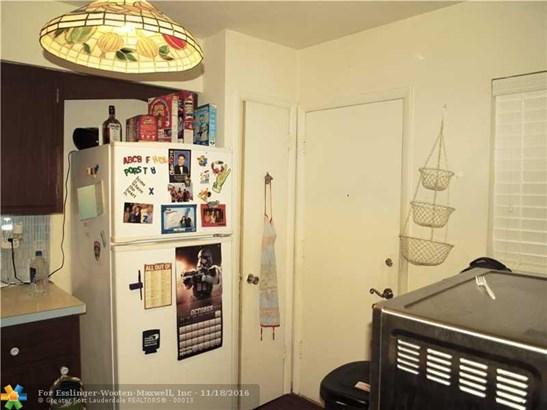 1530 Ne 191st St # 106, North Miami Beach, FL - USA (photo 4)