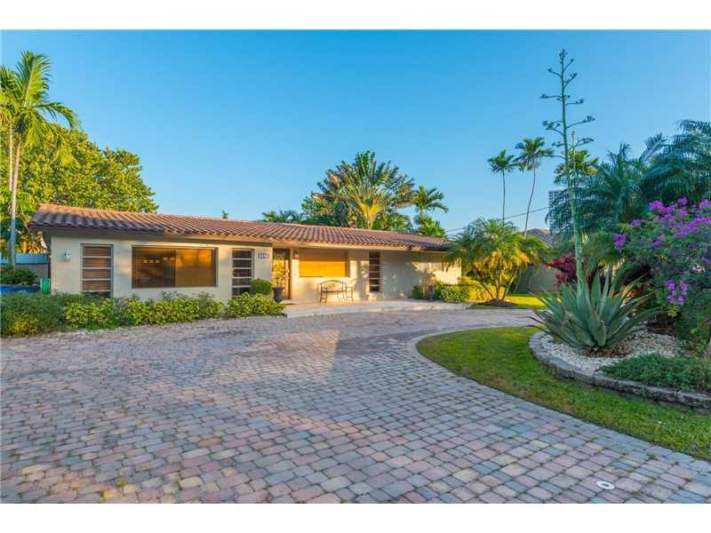 637 Oleander Drive, Hallandale, FL - USA (photo 1)