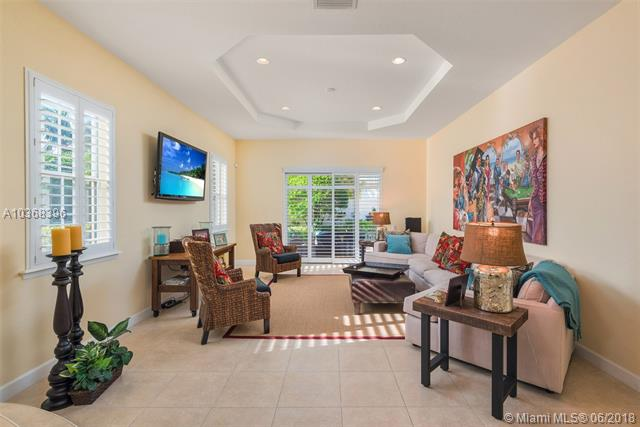 827  Spinnaker Drive East  , Hollywood, FL - USA (photo 5)