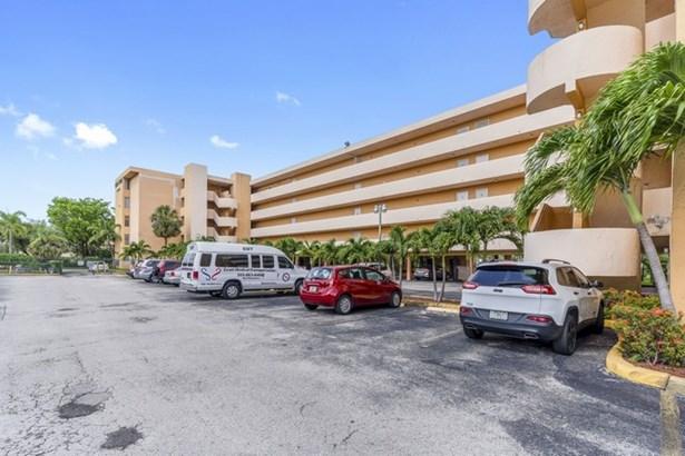 802 Nw 87th Ave  , Miami, FL - USA (photo 1)