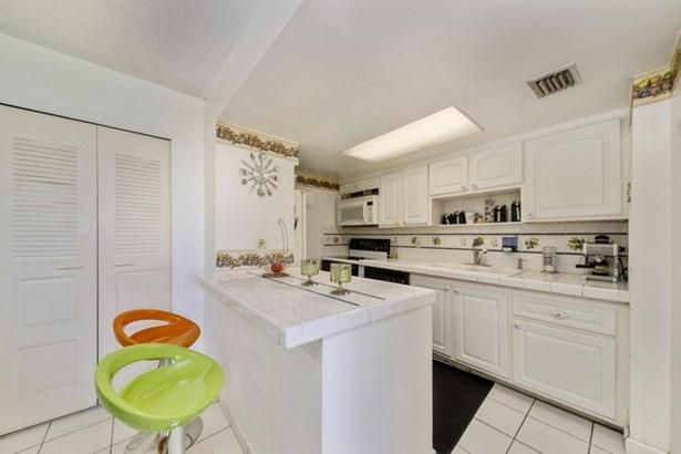 802 Nw 87th Ave  , Miami, FL - USA (photo 3)