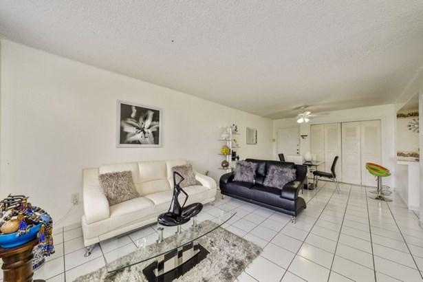 802 Nw 87th Ave  , Miami, FL - USA (photo 4)