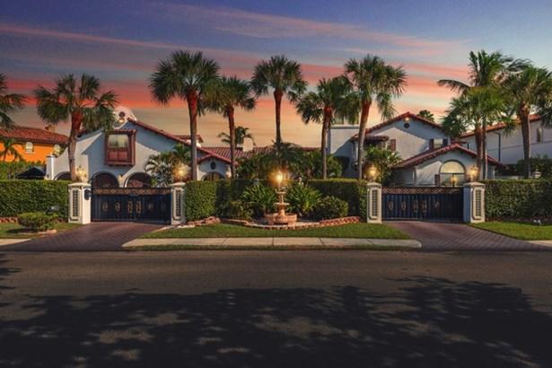 800  Diplomat Pkwy.  , Hallandale, FL - USA (photo 1)