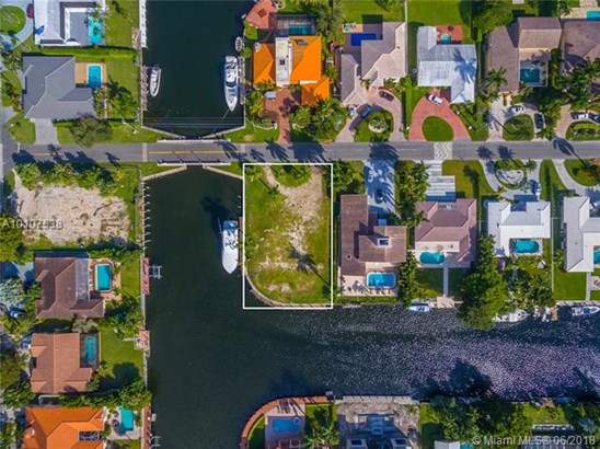 Golden Isles, 485  Sunset Dr  , Hallandale, FL - USA (photo 3)