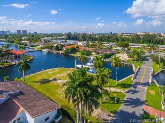 Golden Isles, 485  Sunset Dr  , Hallandale, FL - USA (photo 4)