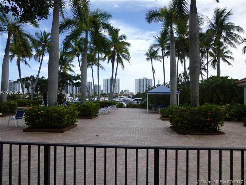 3602 Yacht Club Dr # 406, Aventura, FL - USA (photo 4)