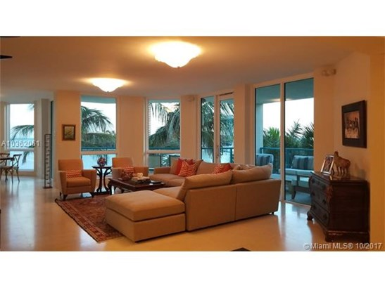 1660 W Glencoe St  , Coconut Grove, FL - USA (photo 2)