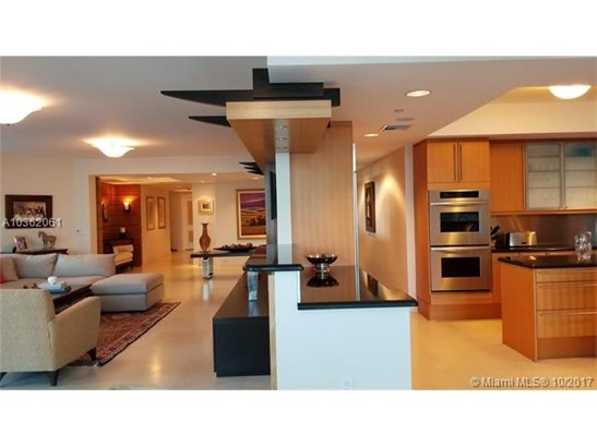 1660 W Glencoe St  , Coconut Grove, FL - USA (photo 4)