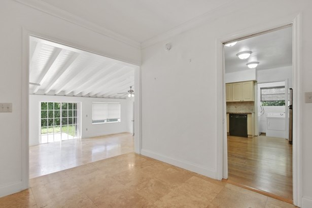 open floor (photo 5)