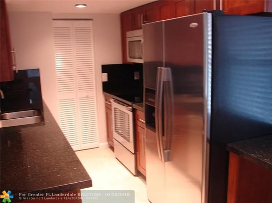 1000 Sw 113th Ter, Pembroke Pines, FL - USA (photo 2)