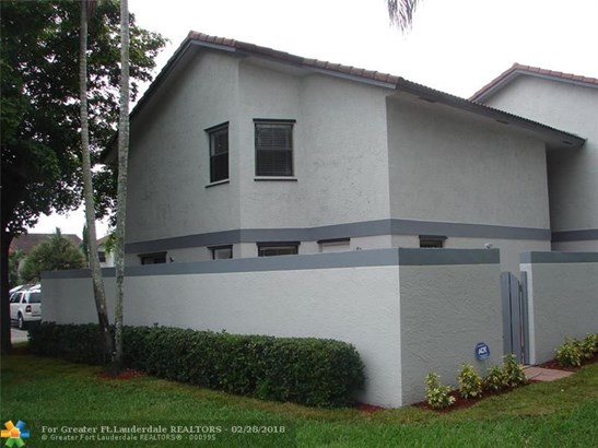1000 Sw 113th Ter, Pembroke Pines, FL - USA (photo 4)