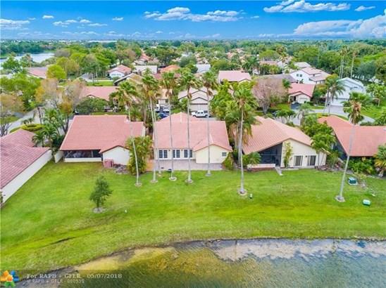 Country Isles, 2088  Augusta, Weston, FL - USA (photo 2)