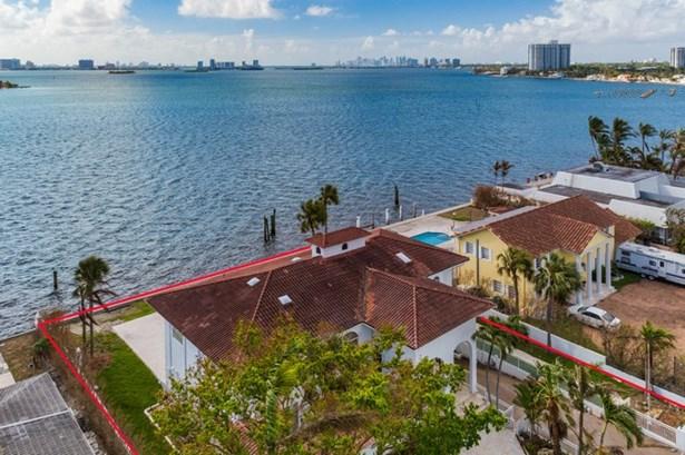11420 N Bayshore Dr  , North Miami, FL - USA (photo 2)