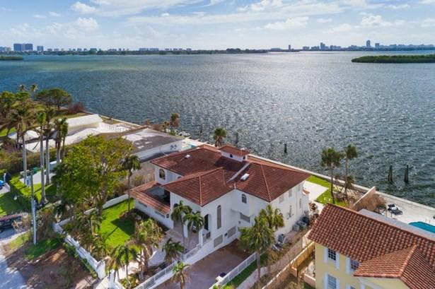 11420 N Bayshore Dr  , North Miami, FL - USA (photo 3)