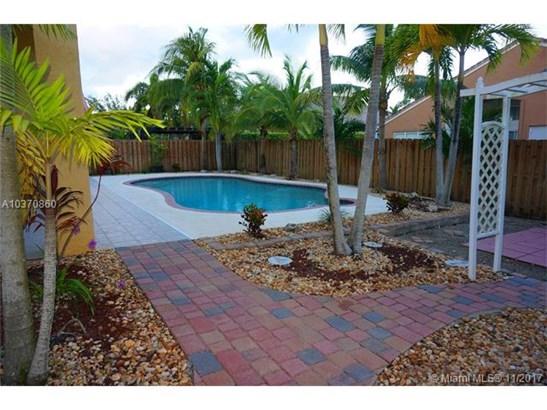 1571 Sw 189th Ter  , Pembroke Pines, FL - USA (photo 3)