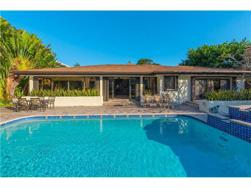 213 Holiday Dr, Hallandale, FL - USA (photo 5)