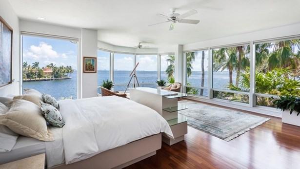 Cocoplum Sec 02e, 20  Tahiti Beach Island Rd  , Coral Gables, FL - USA (photo 5)