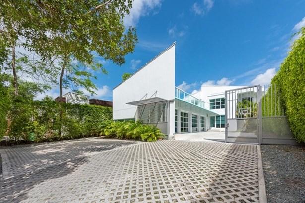 Brickell Flagler, 1617 S Bayshore Dr  , Miami, FL - USA (photo 1)