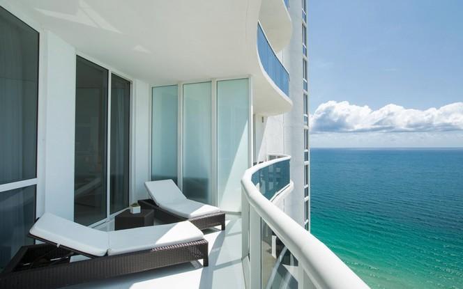 Balcony (photo 2)
