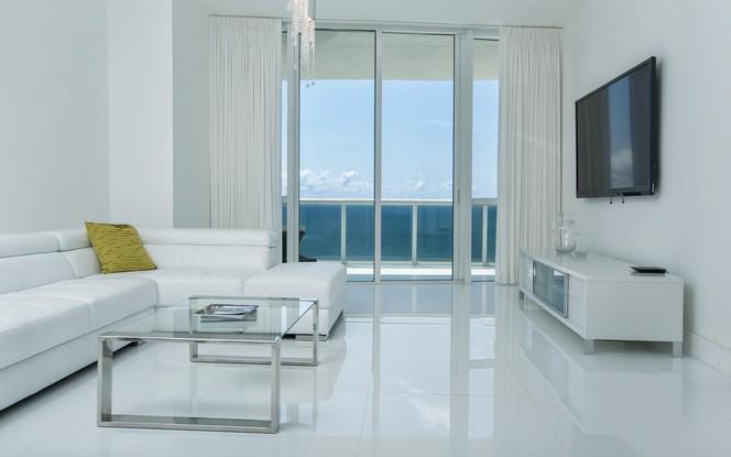 Living Room 2 (photo 5)