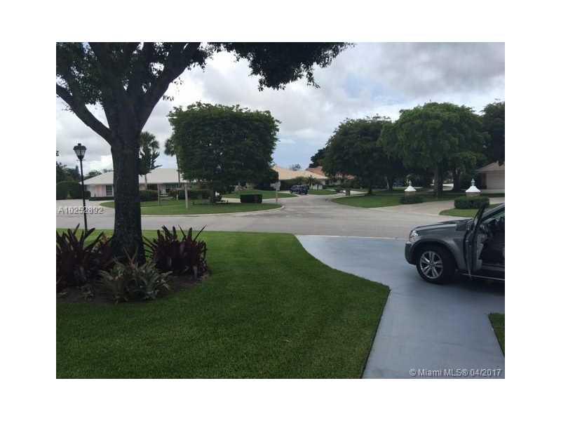 323 Glenbrook Dr, Atlantis, FL - USA (photo 3)