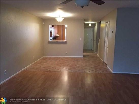 West View, 9341 Nw 15th Ct, Pembroke Pines, FL - USA (photo 3)