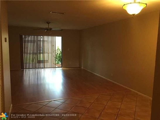 West View, 9341 Nw 15th Ct, Pembroke Pines, FL - USA (photo 4)