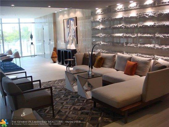 Riva, 1180 N Federal Hy, Fort Lauderdale, FL - USA (photo 2)