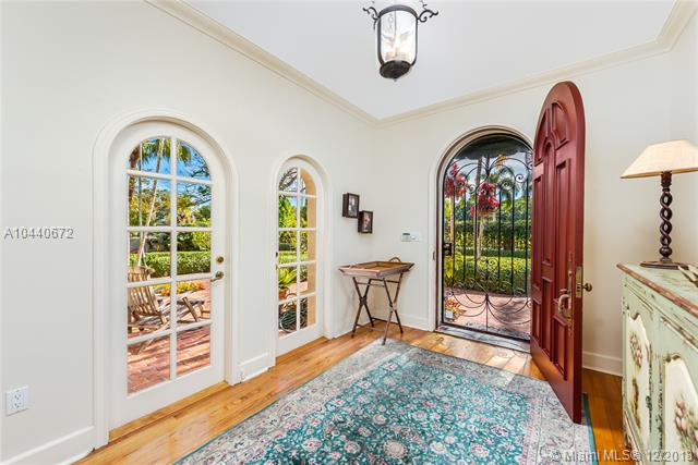 1203 N Greenway Dr  , Coral Gables, FL - USA (photo 5)