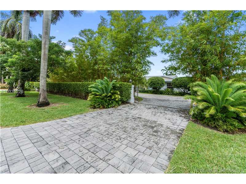 13901 Sw 97 Ave, Miami, FL - USA (photo 2)
