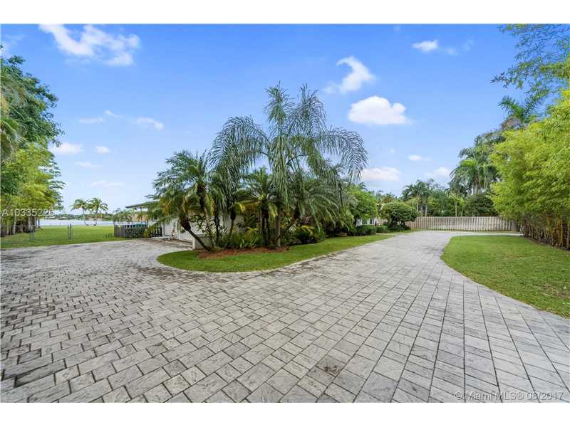13901 Sw 97 Ave, Miami, FL - USA (photo 4)