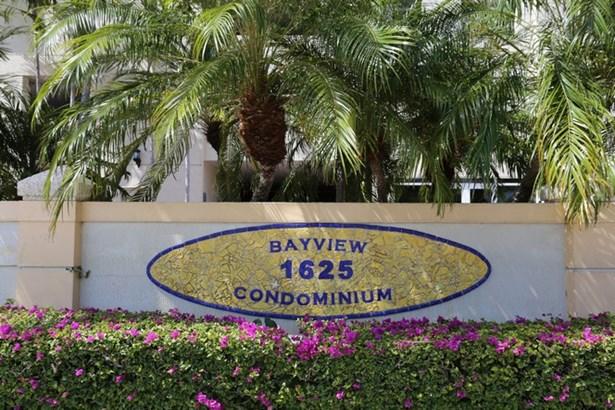 1625  Kennedy Cswy  , North Bay Village, FL - USA (photo 3)