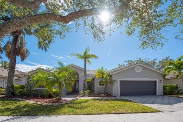 Weston Hills-oakbroo, 2654  Oakbrook Dr, Weston, FL - USA (photo 1)