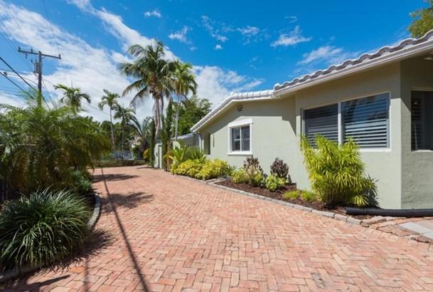 1325 Sw 22nd Ter  , Miami, FL - USA (photo 3)