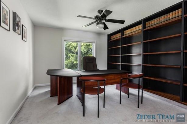Bedroom / Office (photo 5)