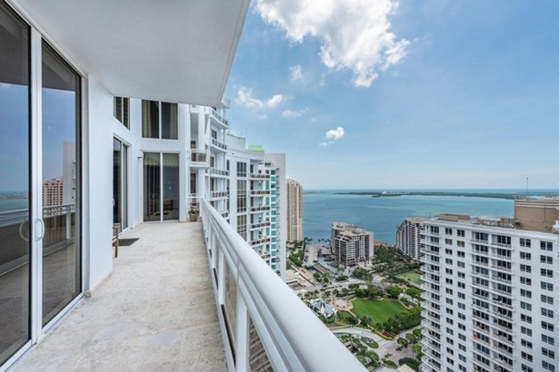 Carbonell Condo, 901  Brickell Key Blvd  , Miami, FL - USA (photo 3)