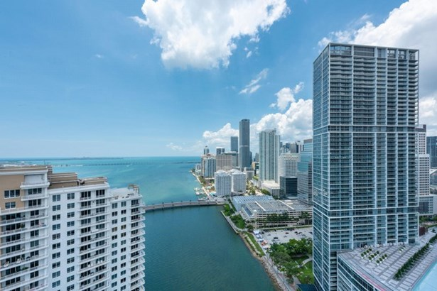 Carbonell Condo, 901  Brickell Key Blvd  , Miami, FL - USA (photo 4)