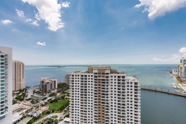 Carbonell Condo, 901  Brickell Key Blvd  , Miami, FL - USA (photo 5)
