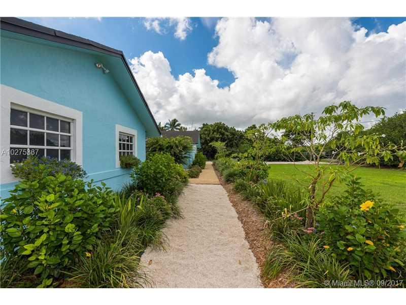 22421 Sw 184 Av  , Miami, FL - USA (photo 2)