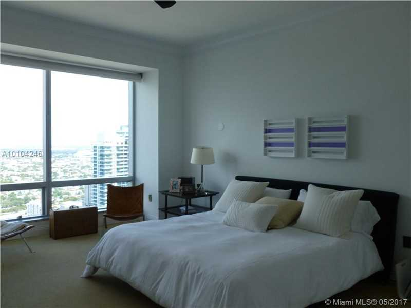 Four Seasons, 1425  Brickell Ave  , Miami, FL - USA (photo 5)