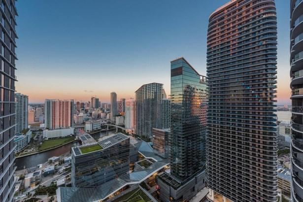 55 Sw 9 St  , Miami, FL - USA (photo 3)