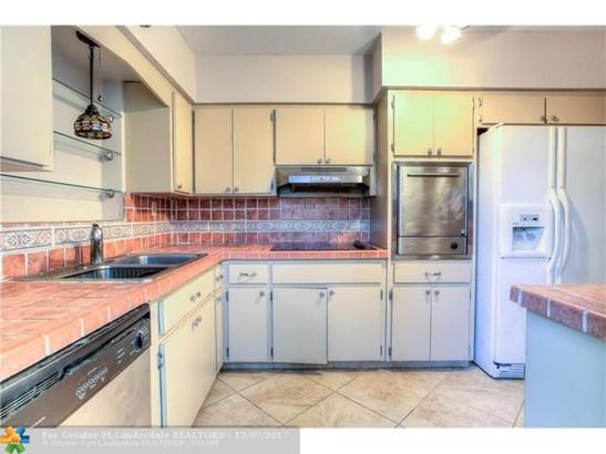2033  Jefferson St, Hollywood, FL - USA (photo 5)