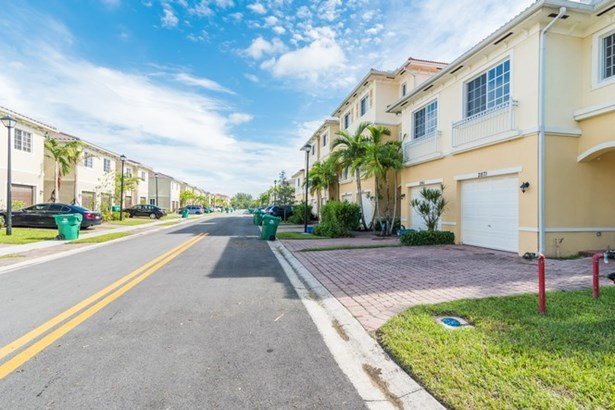 2871 SW 81 Terrace # 1508 Miramar, FL 33025 (photo 3)