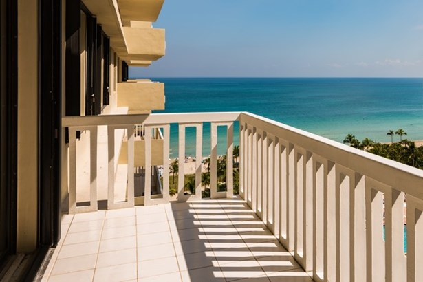 9801  Collins Ave  , Bal Harbour, FL - USA (photo 2)