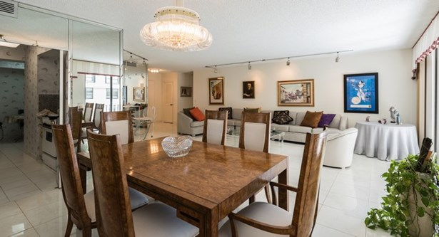 9801  Collins Ave  , Bal Harbour, FL - USA (photo 5)