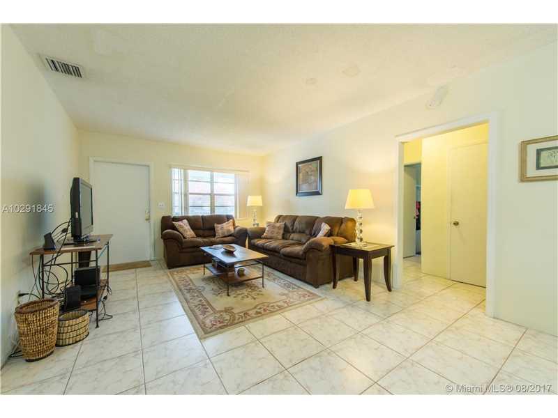 2340 Sw 16 St, Miami, FL - USA (photo 4)
