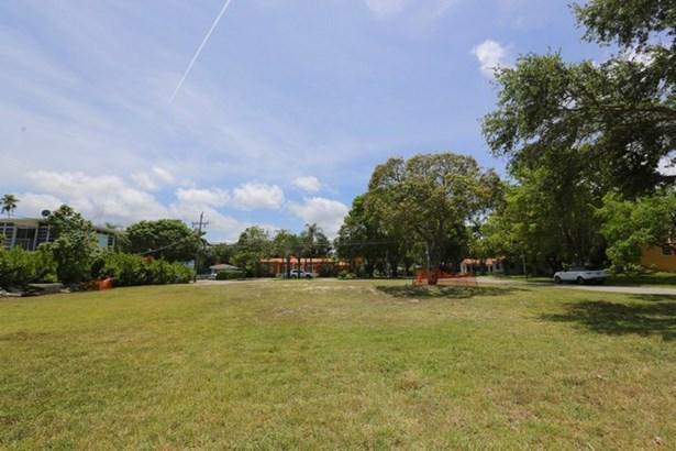 5275 Ne 5th Ave, Miami, FL - USA (photo 1)