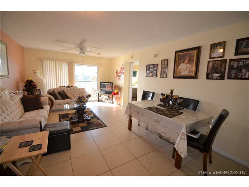 650 Sw 138th Ave # J409, Pembroke Pines, FL - USA (photo 3)