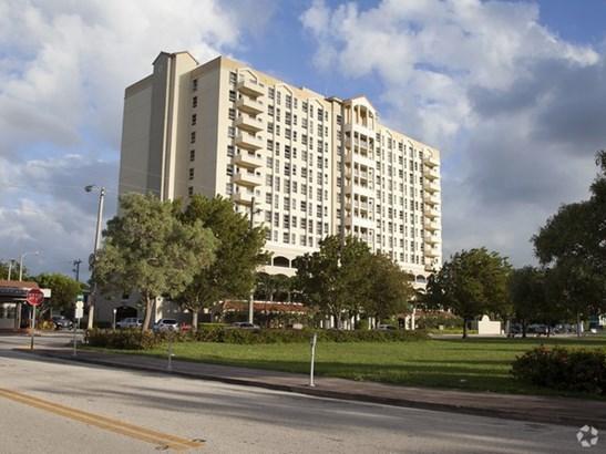 2351 Douglas Rd # 1208, Miami, FL - USA (photo 2)