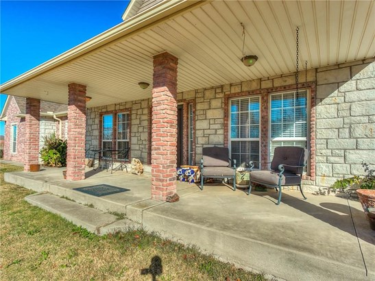Traditional, Single Family - Norman, OK (photo 2)